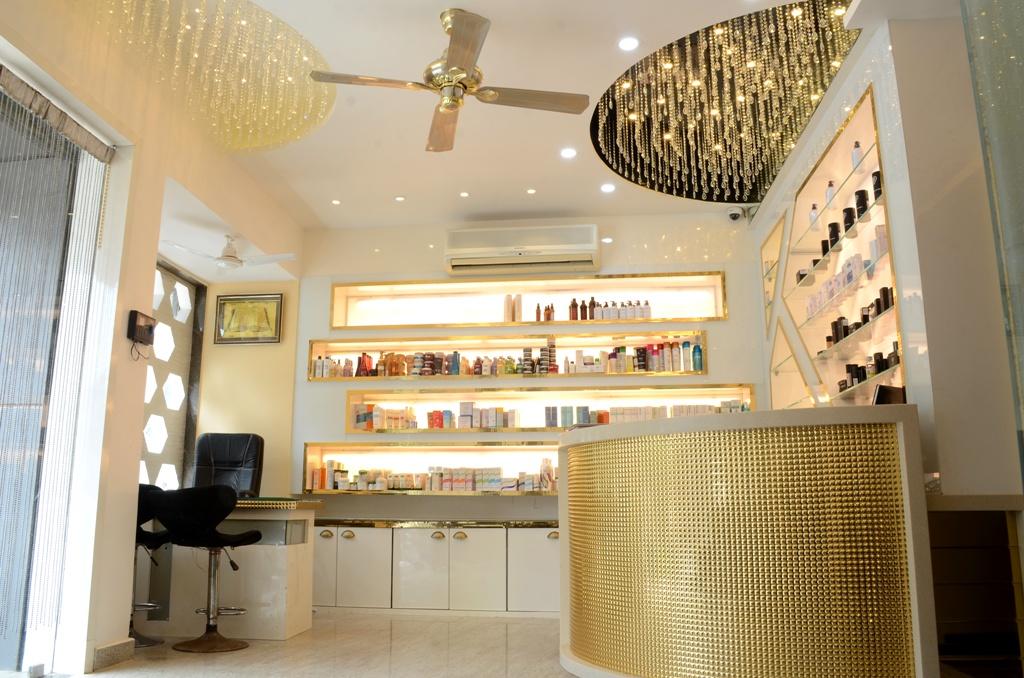 Beauty Parlour Reception Interior Design